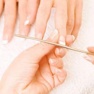 manicure dato1 Cuida tus Uñas, paso a paso