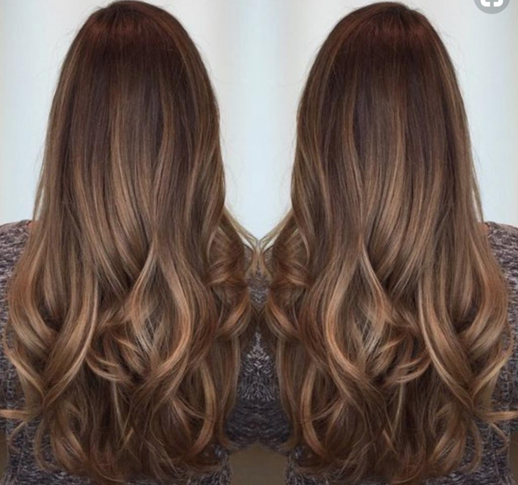 Fabulosa melena larga, un corte de pelo en tendencia.