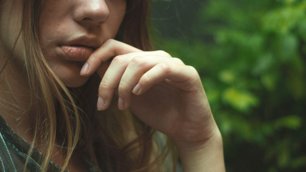 Conoce acerca de la trasferencia de grasa corporal en los labios