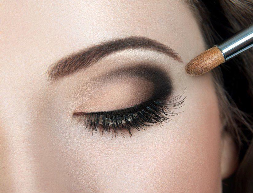 Maquillaje de ojos ahumados en 5 pasos Entre Bellas