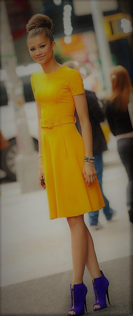 666ea2f72f color de ropa según tono de piel . amarillo