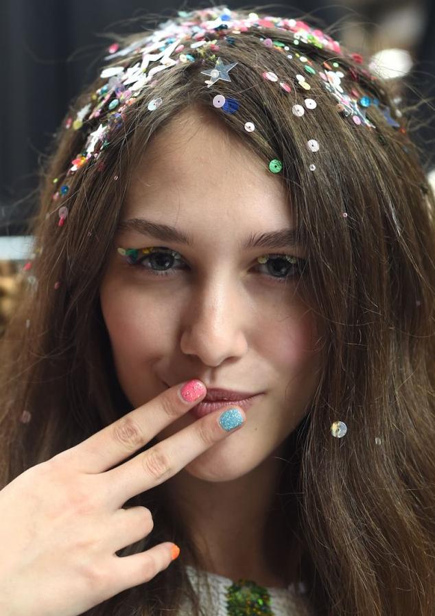 cabello con confetti