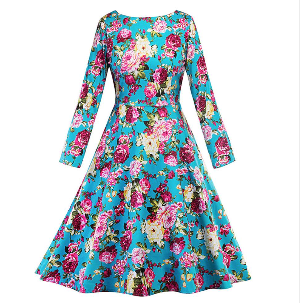 Luce bella y en tendencia con vestidos estampados