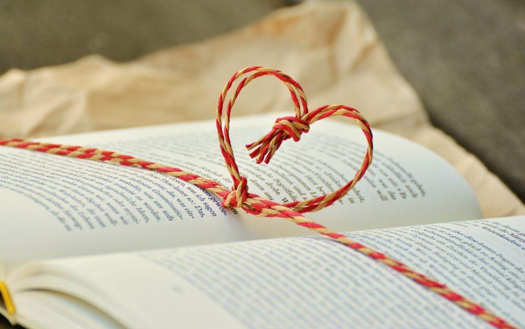 Regalar libros en San Valentín nunca pasa de moda