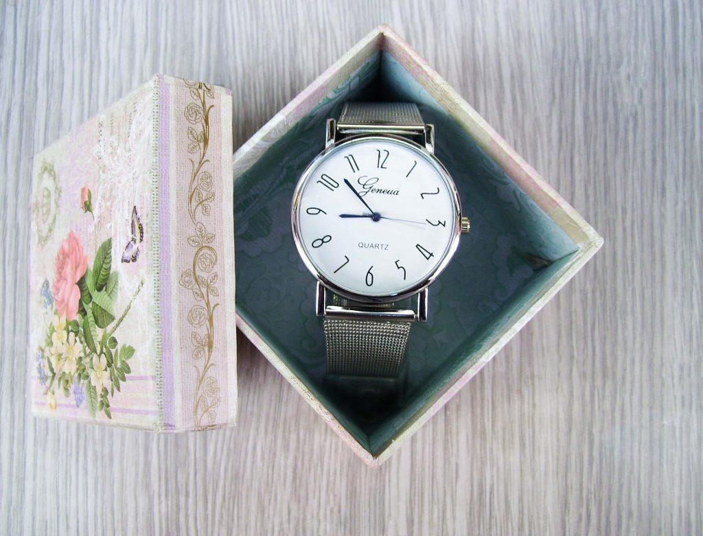 El clásico regalo del reloj