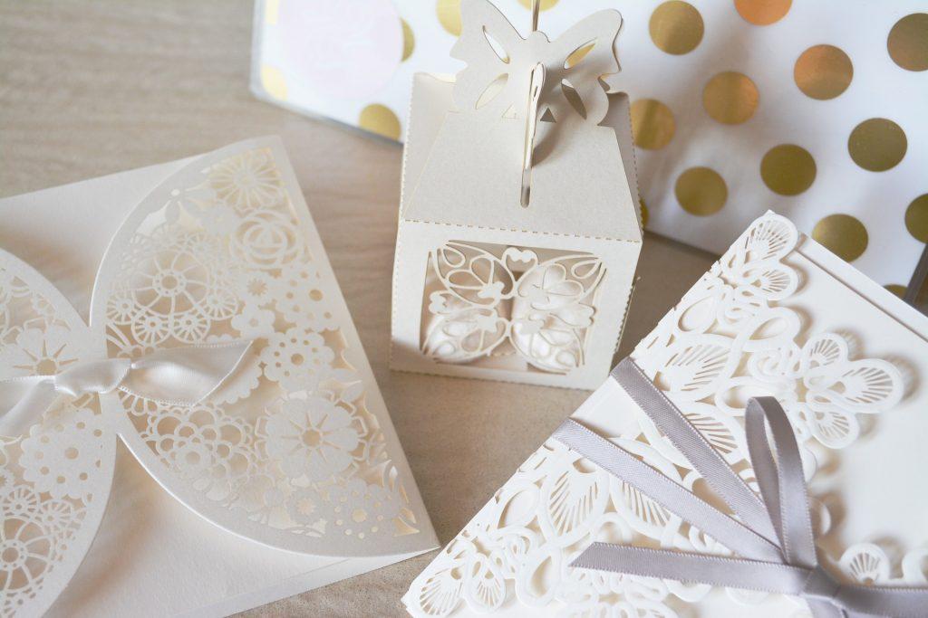 Invitaciones originales para bodas en primavera.