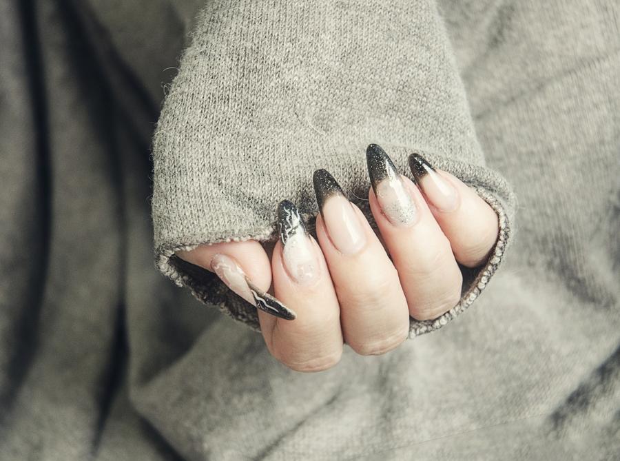 Técnicas y diseños de uñas.